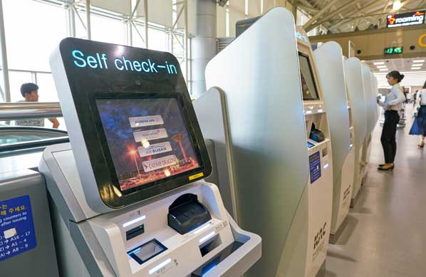 Self-service machine