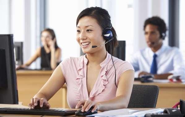 Contact center agent handling inbound call