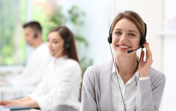 CSR using call center software