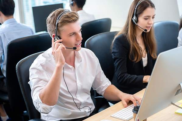 Call center agents using latest technology