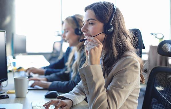Multi language customer support team
