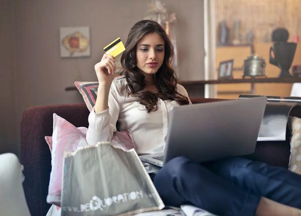 Consumer shopping online