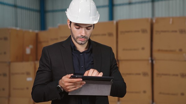 Warehouse Manager using tablet