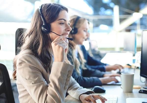 Agent using Vivantio customer service optimization software