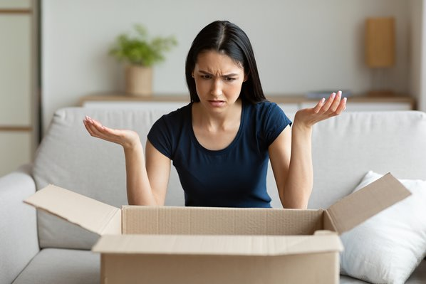 Unhappy customer with wrong delivery parcel