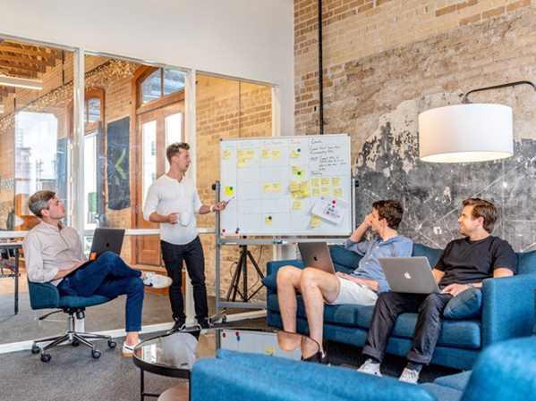 SaaS Startup meeting