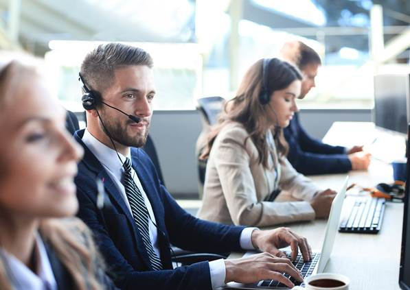 Call center agent processing payment