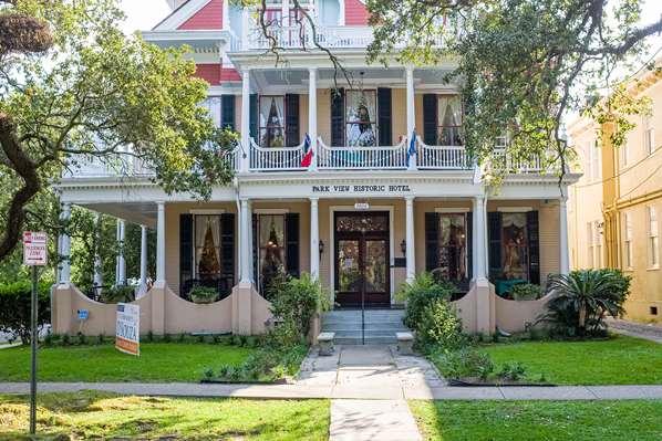 Historic Hotel on St. Charles Avenue New Orleans, LA, USA