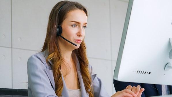 Online customer support agent