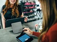 Strategies to Successfully Scale Customer Service thumbnail