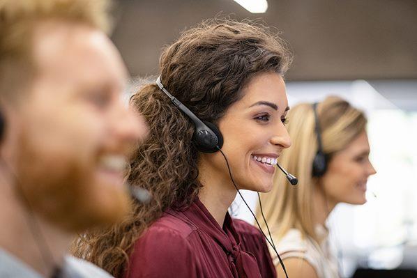 Call center agent using Avaya OneCloud CCaaS